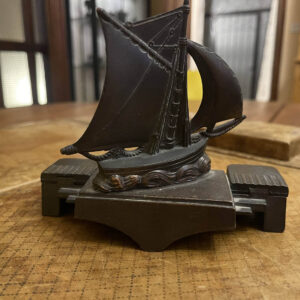 French Cutter Sailboat Inkwell and Penholder LL1136 Paris 1920s 4